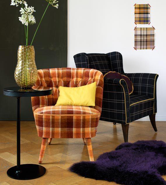 Mit Stoff bezogene Sessel